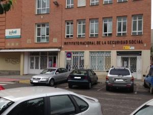 Oficina Seguridad Social en bajos Centro de Especialidades Monzón