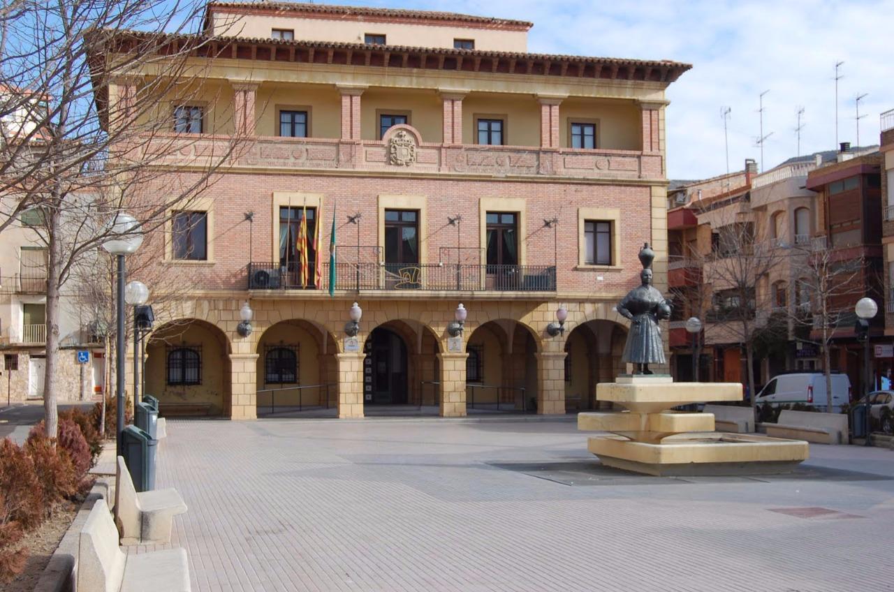 La concesión de becas a alumnado con matrícula de honor por parte del Ayuntamiento de Fraga es «populista»