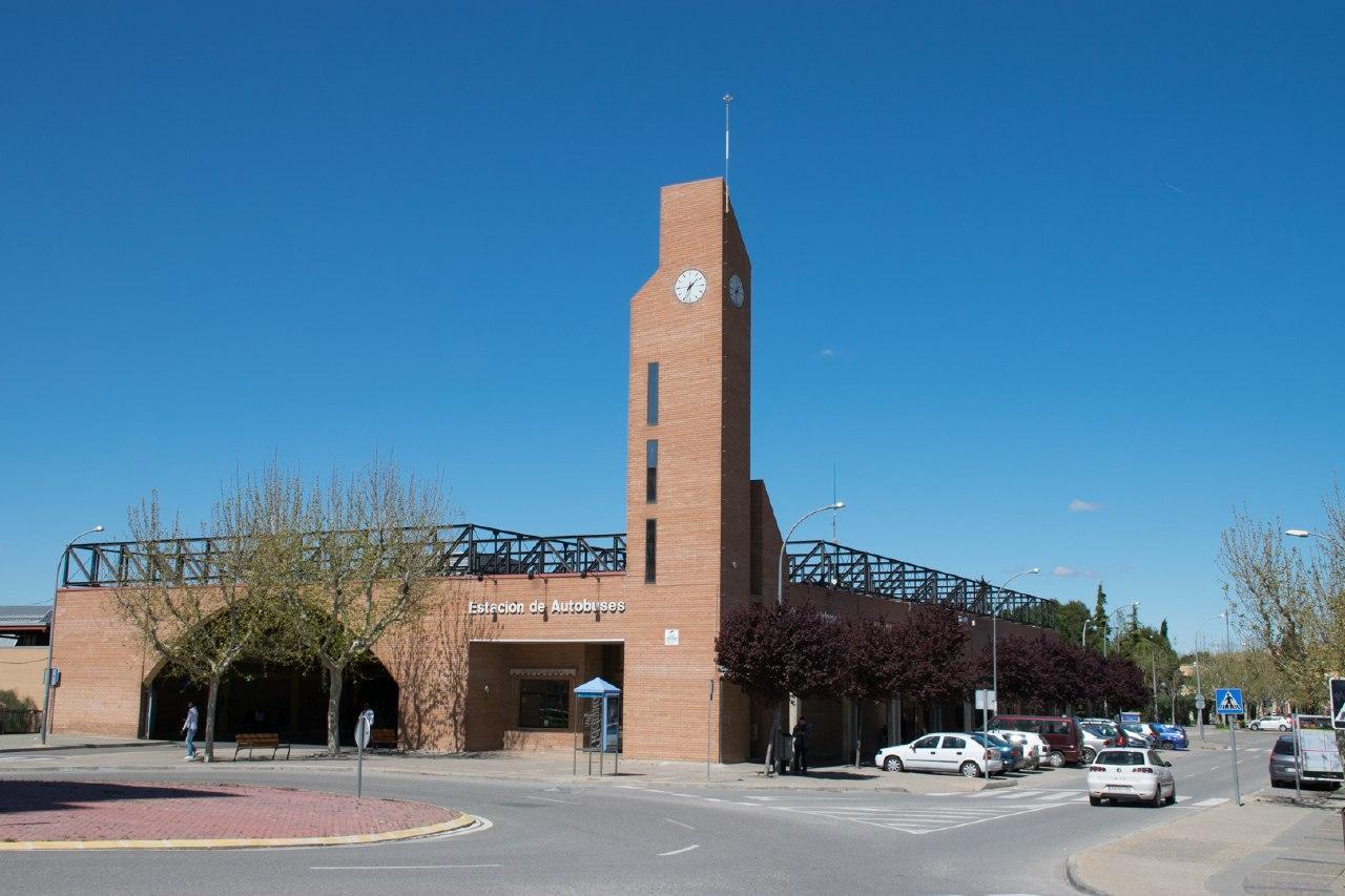 Satisfechos con el compromiso de Fomento para estudiar una reorganización del servicio de autobuses entre Fraga y Lleida