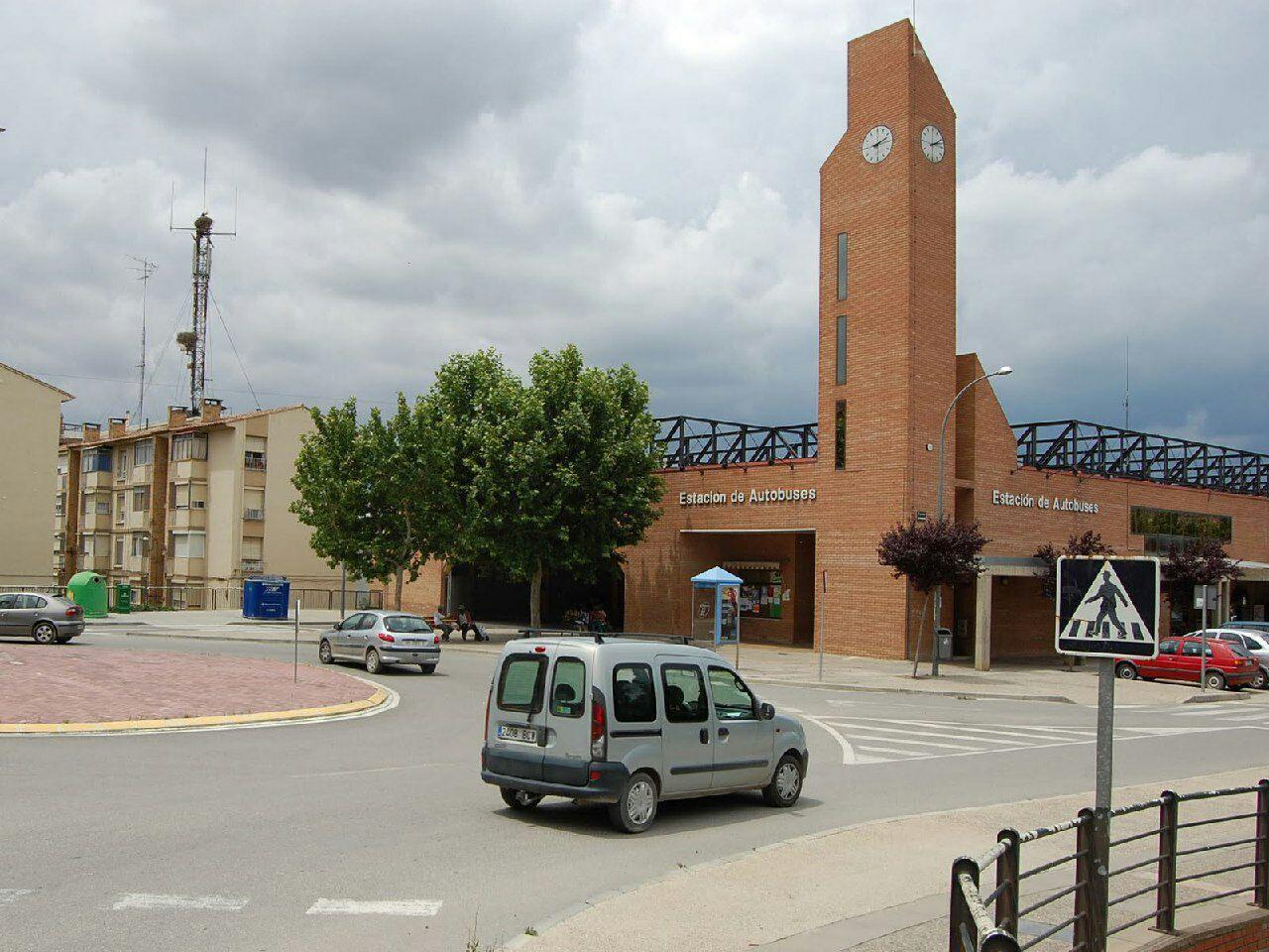 Lamentamos la falta de voluntad de Fomento para recuperar los horarios suprimidos de la línea de autobuses entre Fraga y Zaragoza
