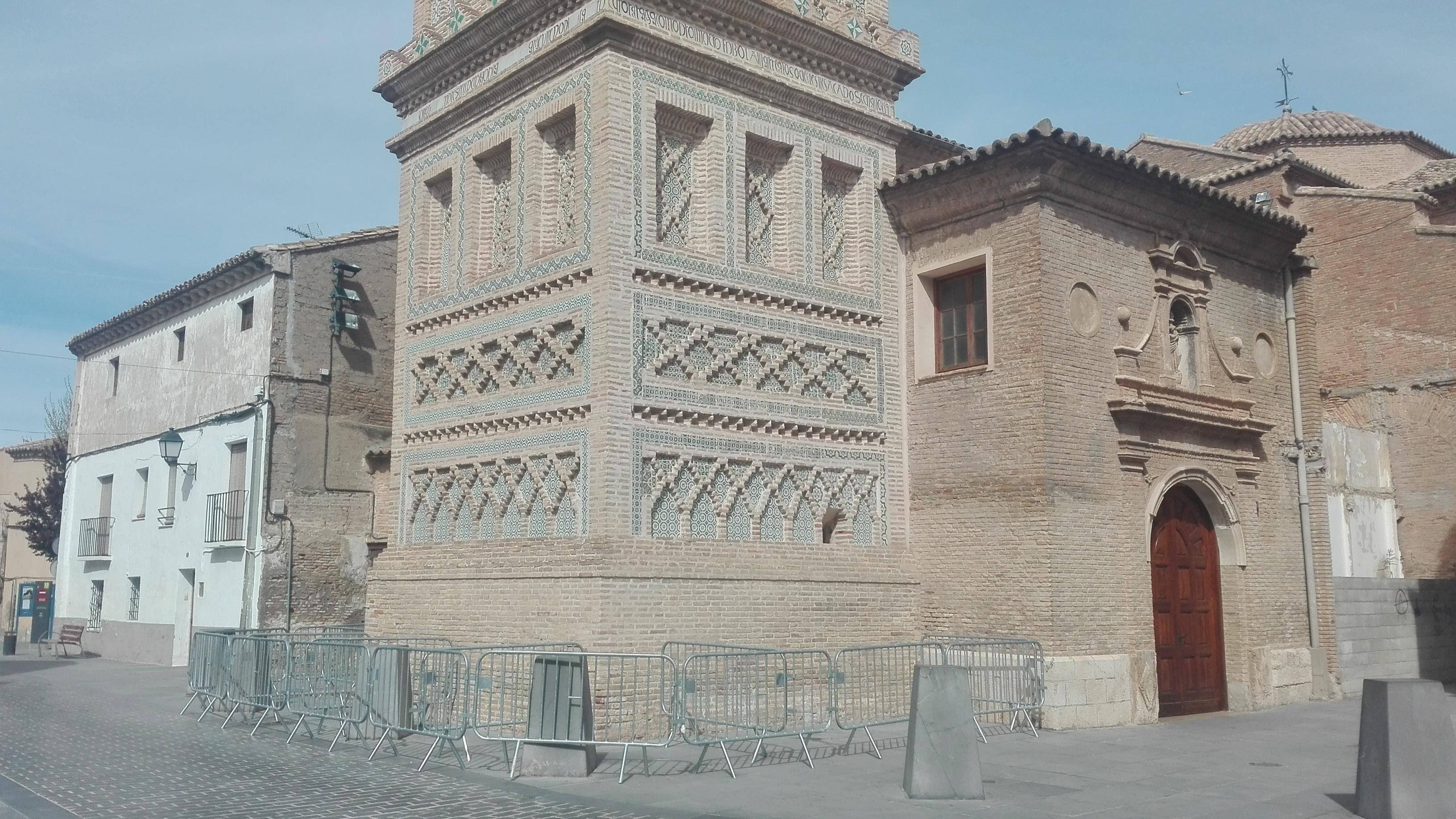 Pedimos a Educación y Cultura medidas ante el desprendimiento de azulejos de la Torre Mudéjar de Utebo